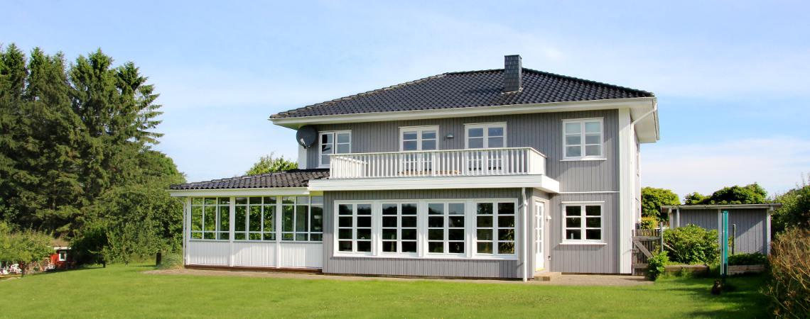 2-geschossiges Schwedenhaus mit Veranda
